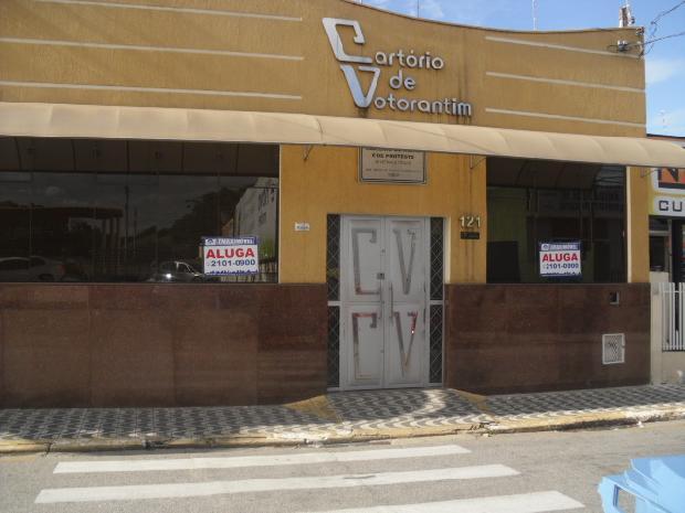 Alugar Casas / Comerciais em Votorantim R$ 8.000,00 - Foto 2