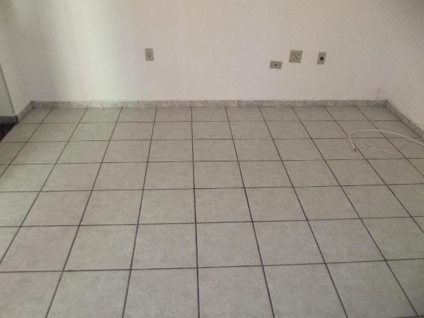 Alugar Apartamentos / Apto Padrão em Sorocaba R$ 900,00 - Foto 4