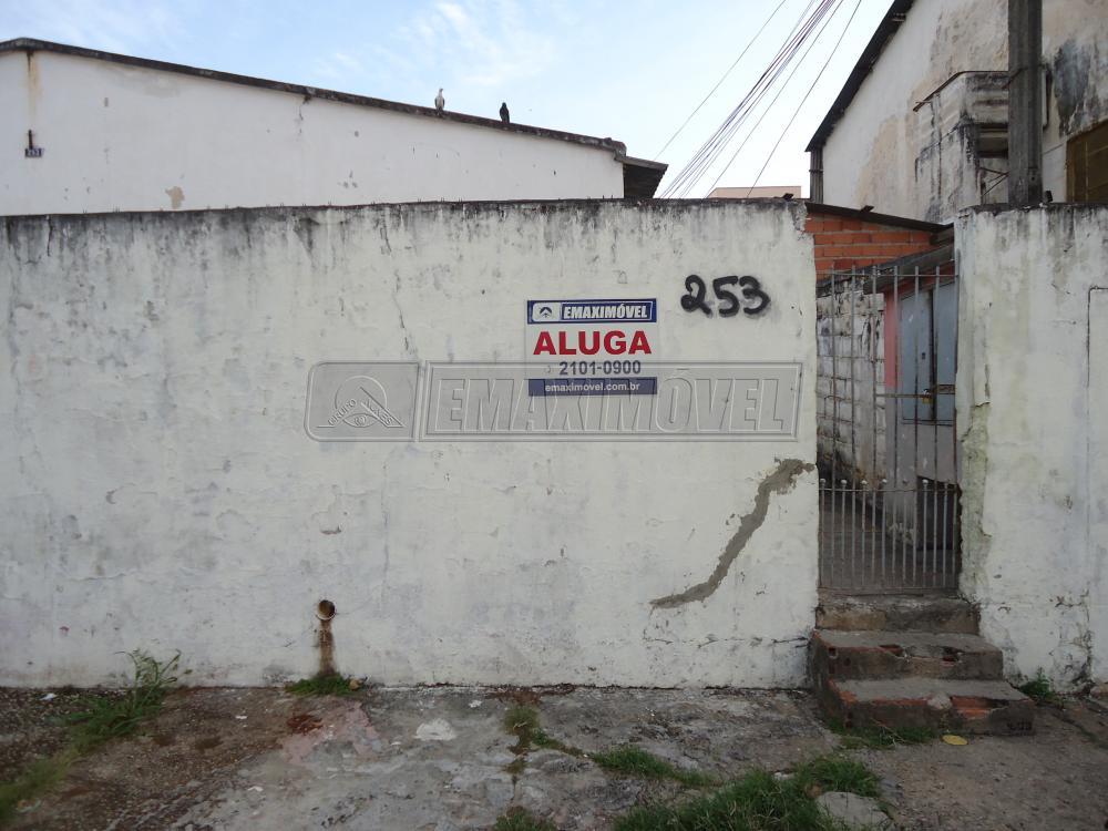 Alugar Casa / em Bairros em Sorocaba R$ 500,00 - Foto 1