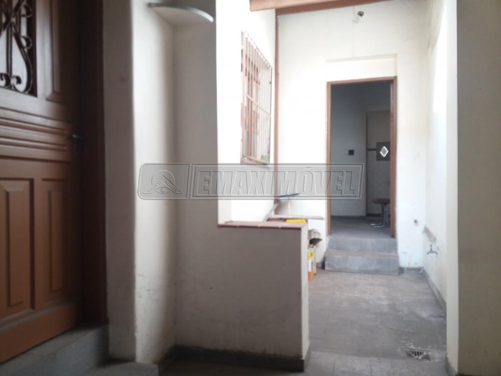 Alugar Casa / em Bairros em Sorocaba R$ 700,00 - Foto 2