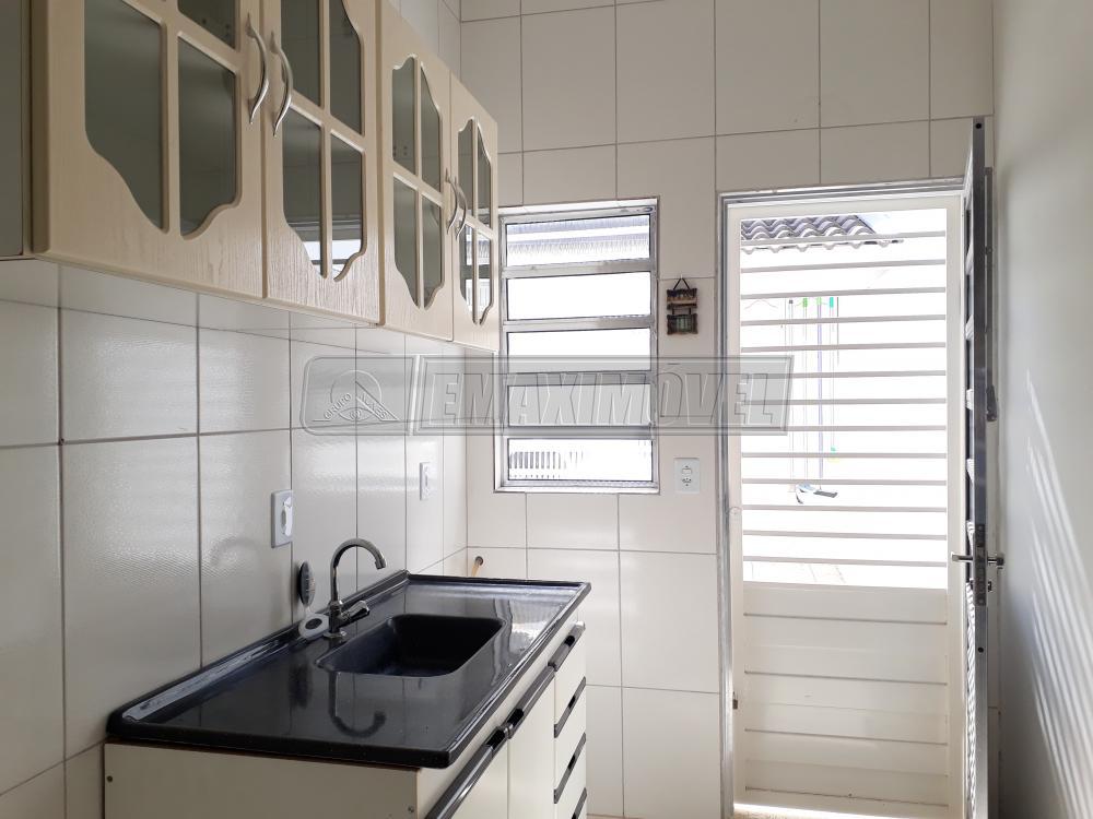 Alugar Casa / em Bairros em Sorocaba R$ 950,00 - Foto 12