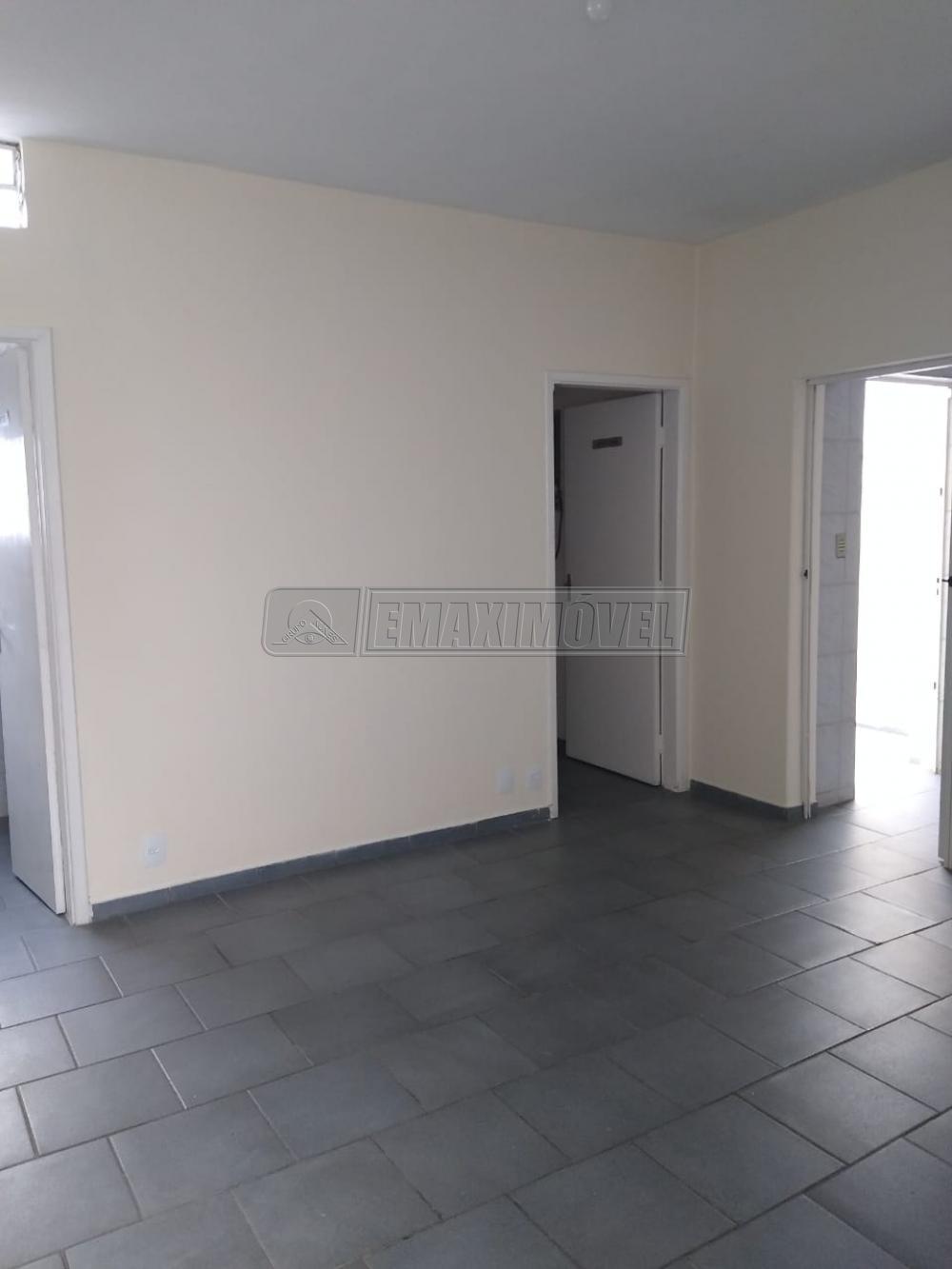 Alugar Casa / em Bairros em Sorocaba R$ 1.500,00 - Foto 2