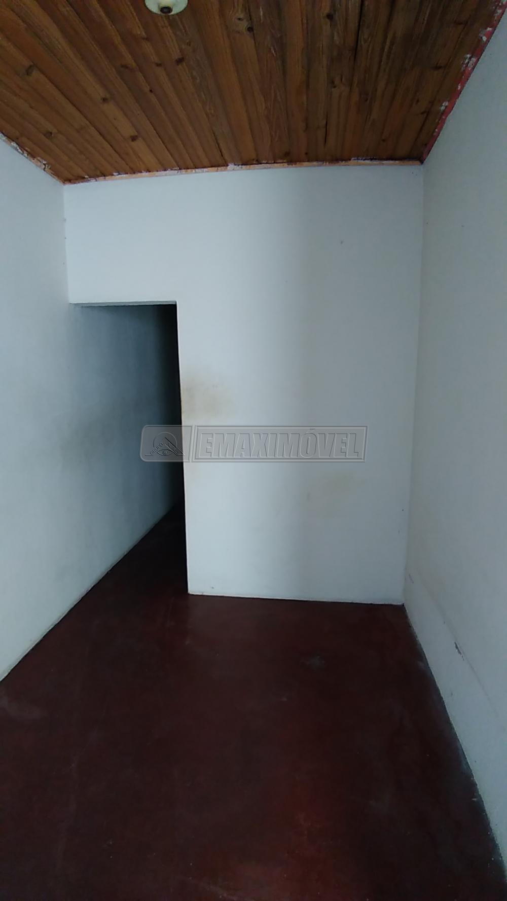 Alugar Casa / em Bairros em Sorocaba R$ 440,00 - Foto 2