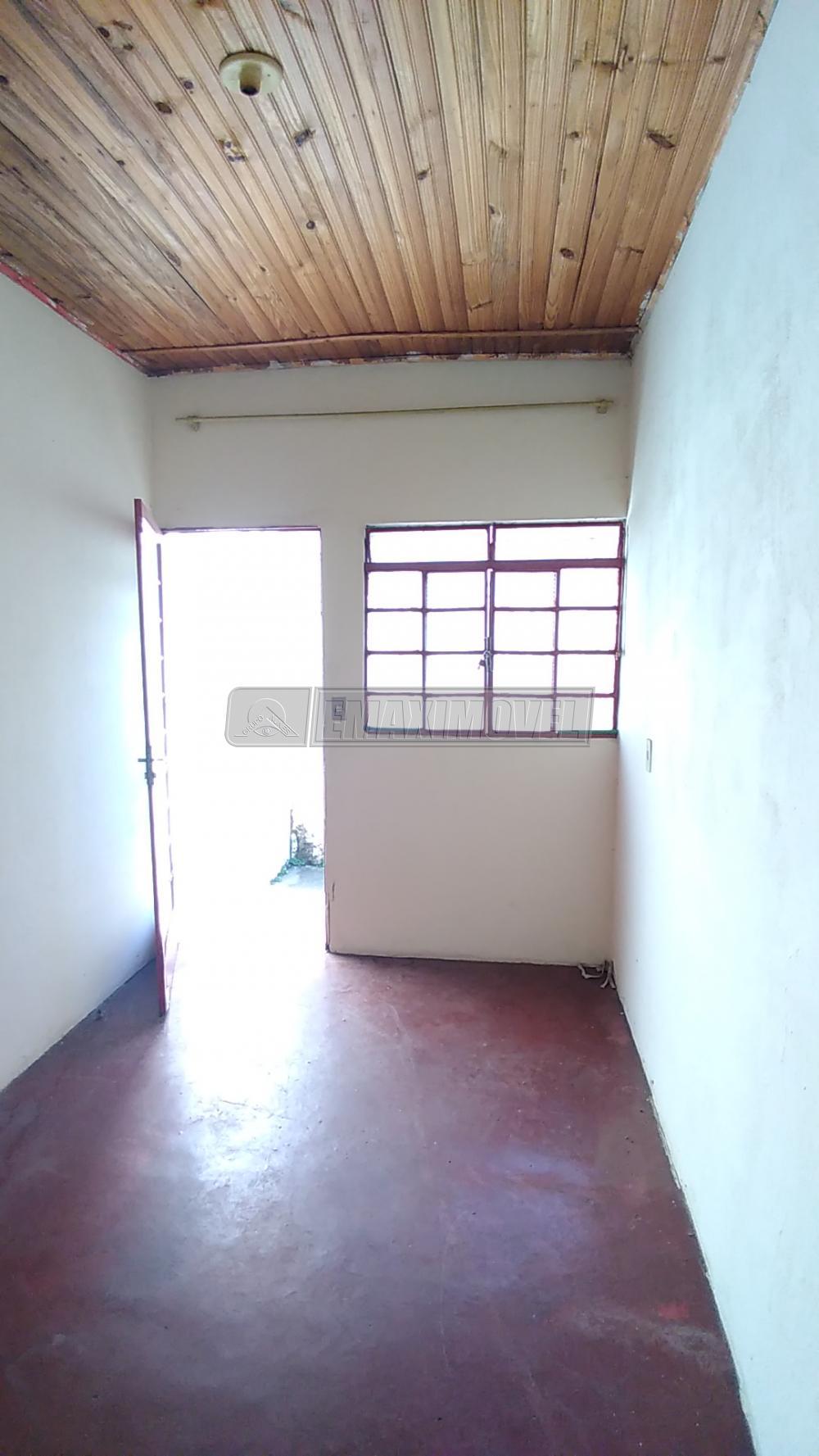 Alugar Casa / em Bairros em Sorocaba R$ 440,00 - Foto 3