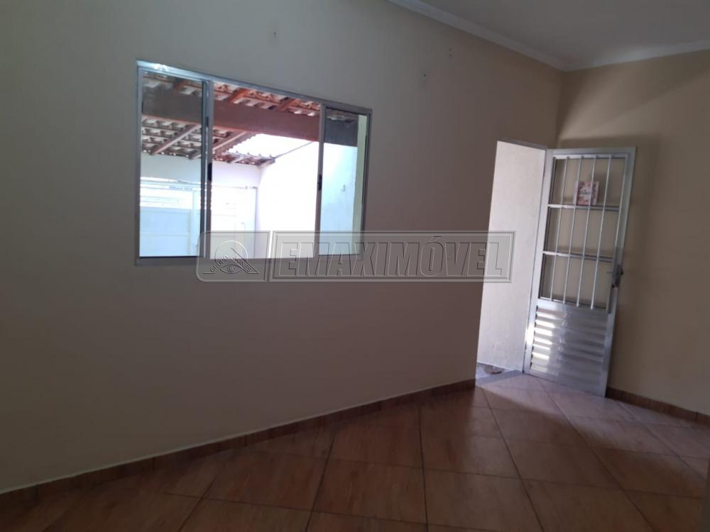 Alugar Casa / em Bairros em Sorocaba R$ 900,00 - Foto 4