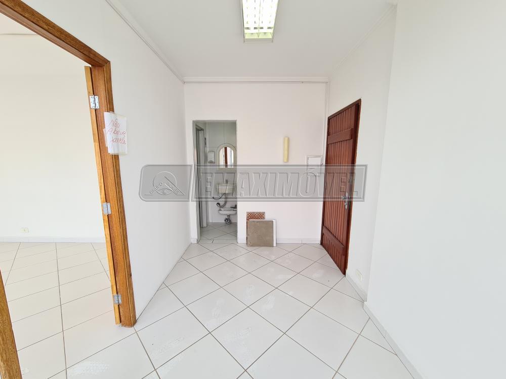 Alugar Sala Comercial / em Condomínio em Sorocaba R$ 400,00 - Foto 3