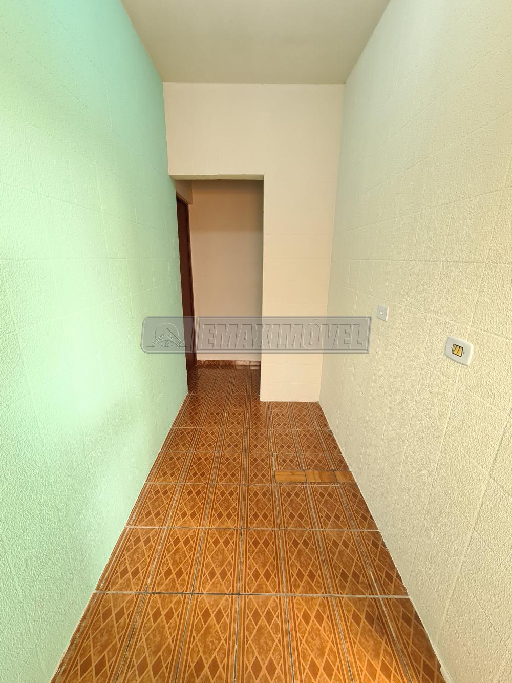 Alugar Casa / em Bairros em Sorocaba R$ 630,00 - Foto 4