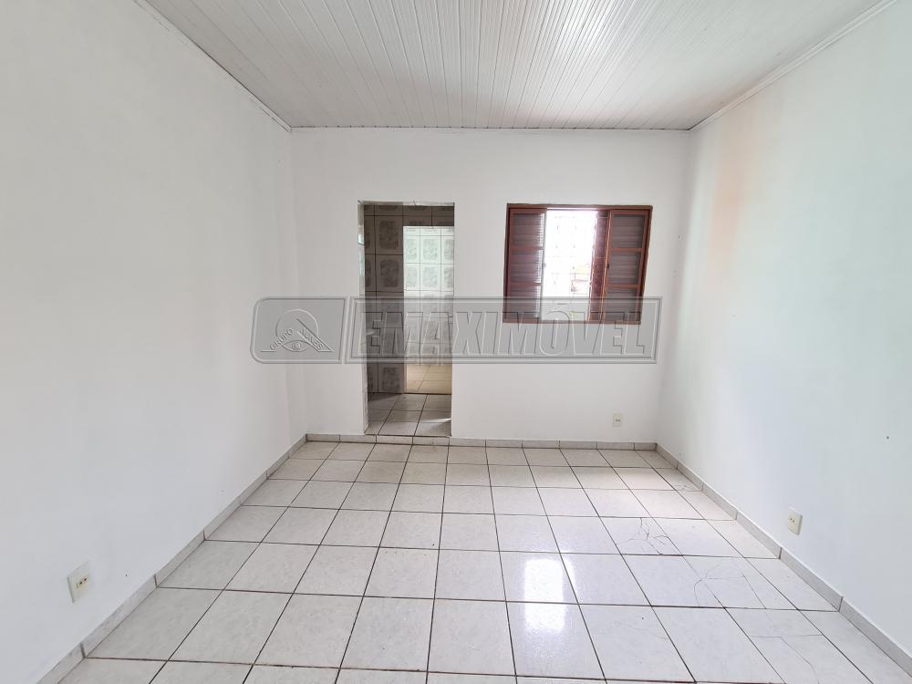 Alugar Casa / em Bairros em Sorocaba R$ 650,00 - Foto 14