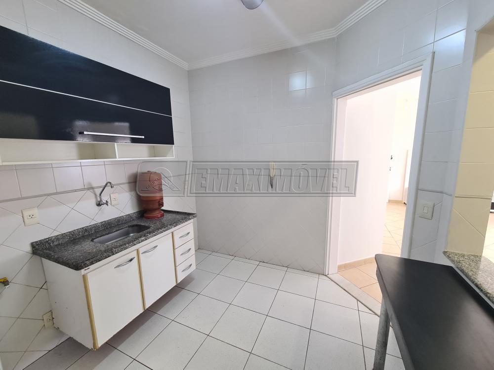 Alugar Apartamentos / Apto Padrão em Sorocaba R$ 950,00 - Foto 14