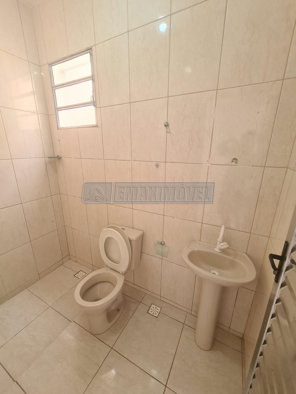 Alugar Casa / em Bairros em Sorocaba R$ 800,00 - Foto 8