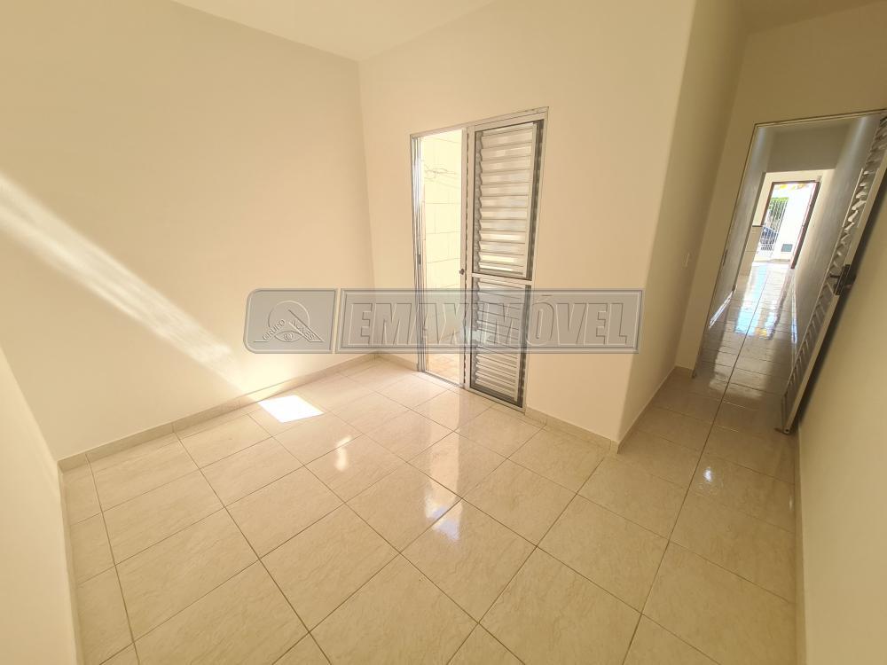 Alugar Casa / em Bairros em Sorocaba R$ 800,00 - Foto 13
