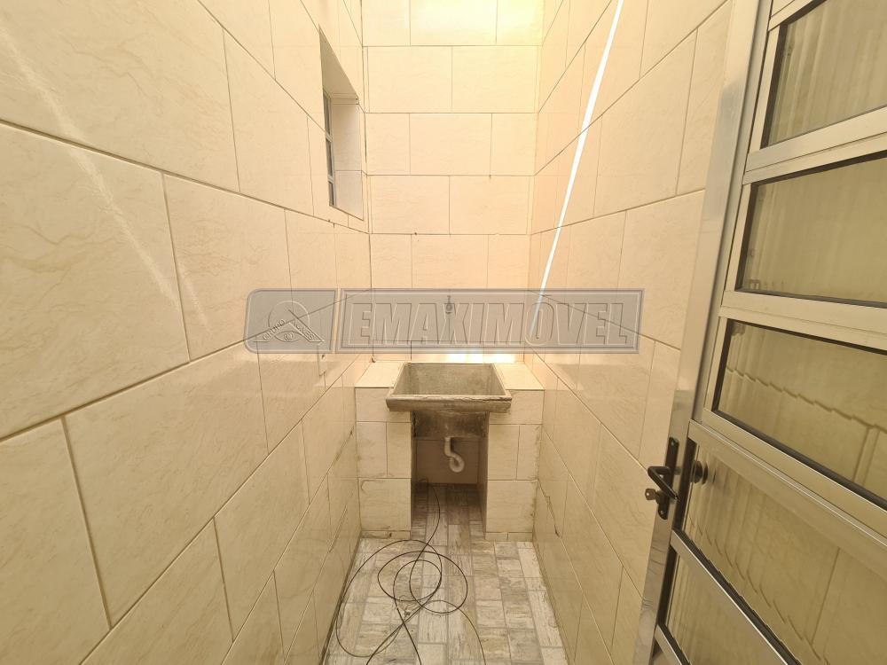 Alugar Casa / em Bairros em Sorocaba R$ 800,00 - Foto 15