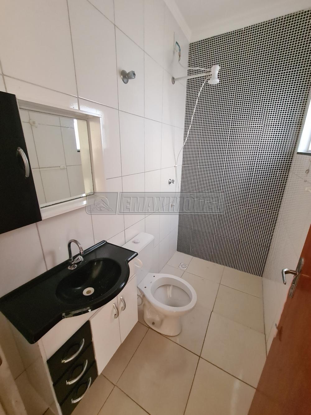 Alugar Casa / em Bairros em Sorocaba R$ 800,00 - Foto 7