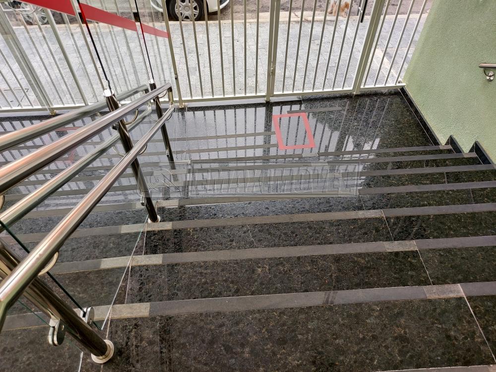 Alugar Apartamento / Padrão em Sorocaba R$ 1.950,00 - Foto 2