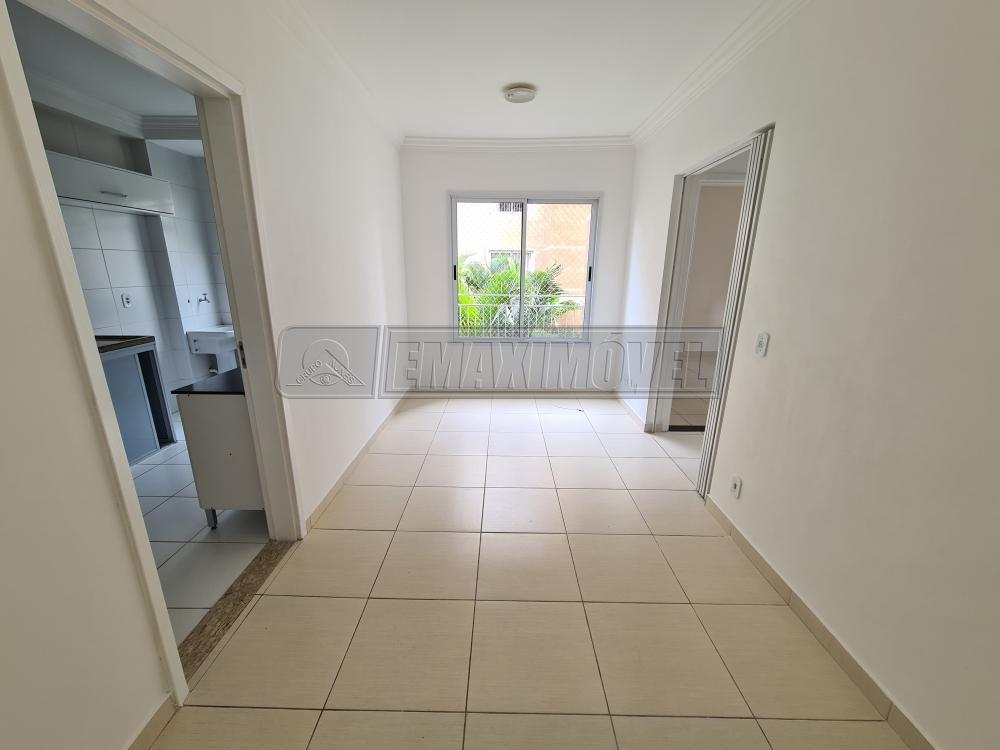 Alugar Apartamento / Padrão em Sorocaba R$ 780,00 - Foto 2