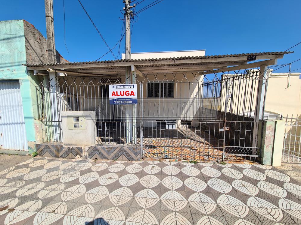 Alugar Casa / em Bairros em Sorocaba R$ 550,00 - Foto 1