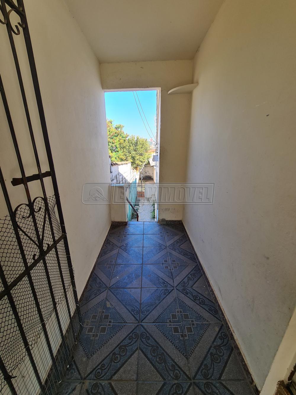 Alugar Casa / em Bairros em Sorocaba R$ 550,00 - Foto 2