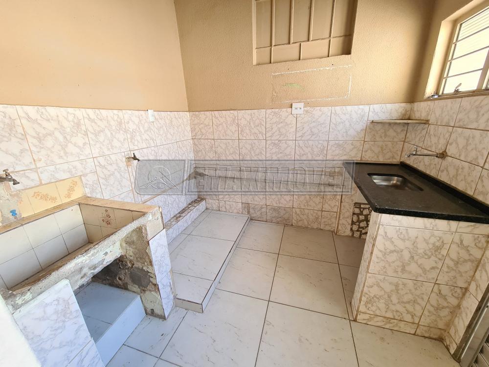 Alugar Casa / em Bairros em Sorocaba R$ 550,00 - Foto 10