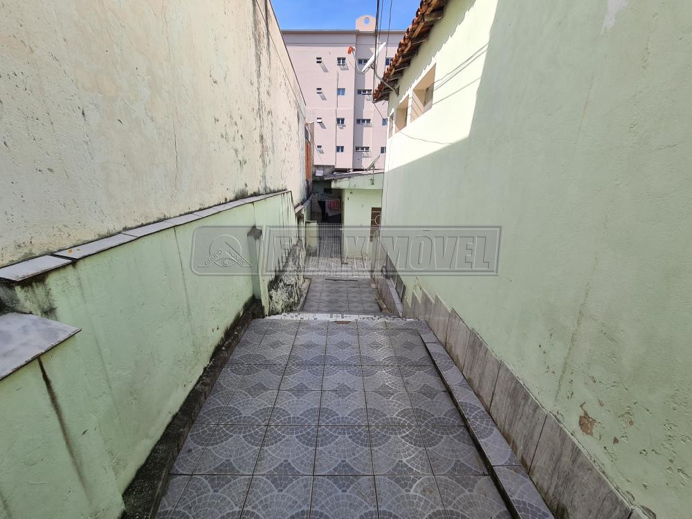 Alugar Casa / em Bairros em Sorocaba R$ 650,00 - Foto 2
