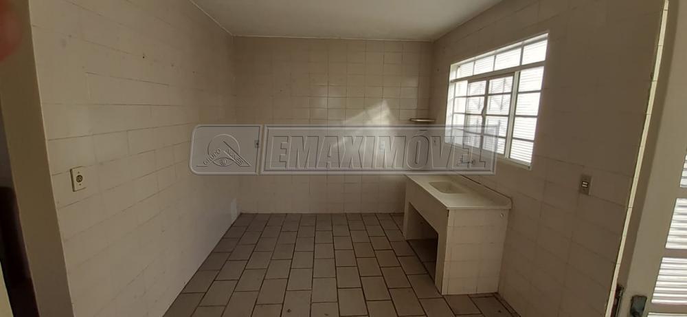 Alugar Casa / em Bairros em Sorocaba R$ 750,00 - Foto 4