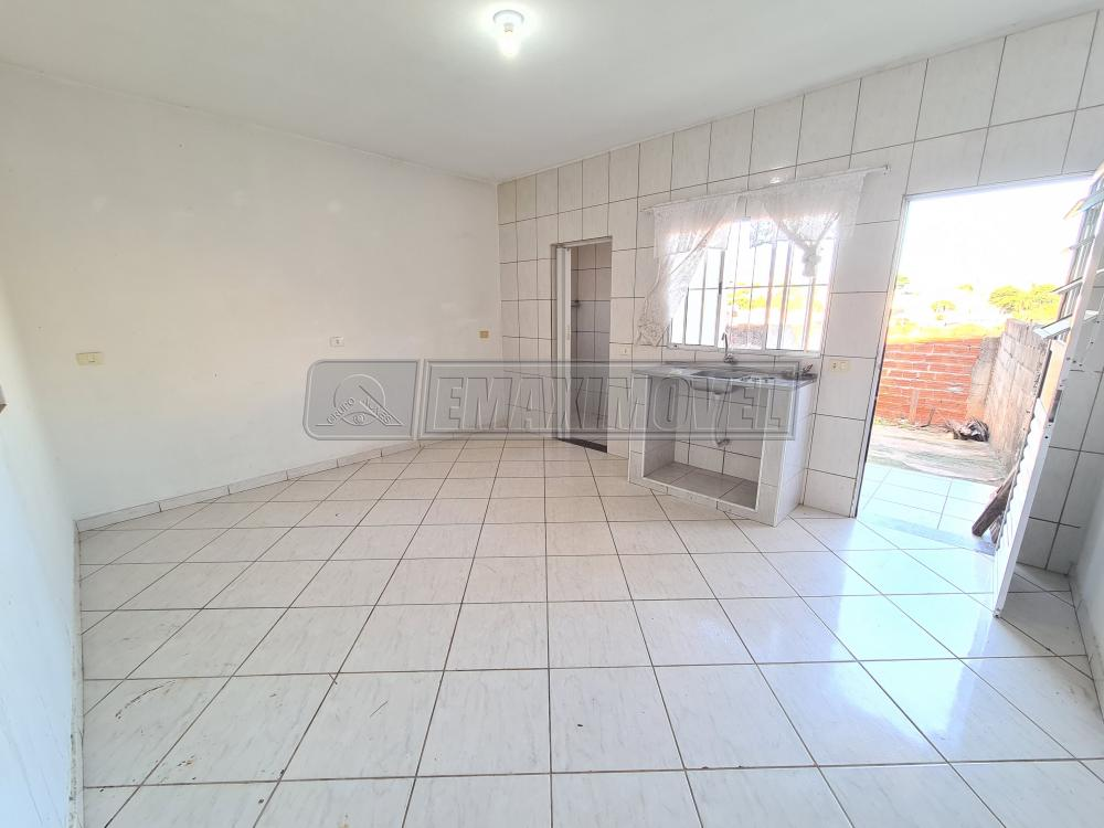 Alugar Casa / em Bairros em Sorocaba R$ 500,00 - Foto 7
