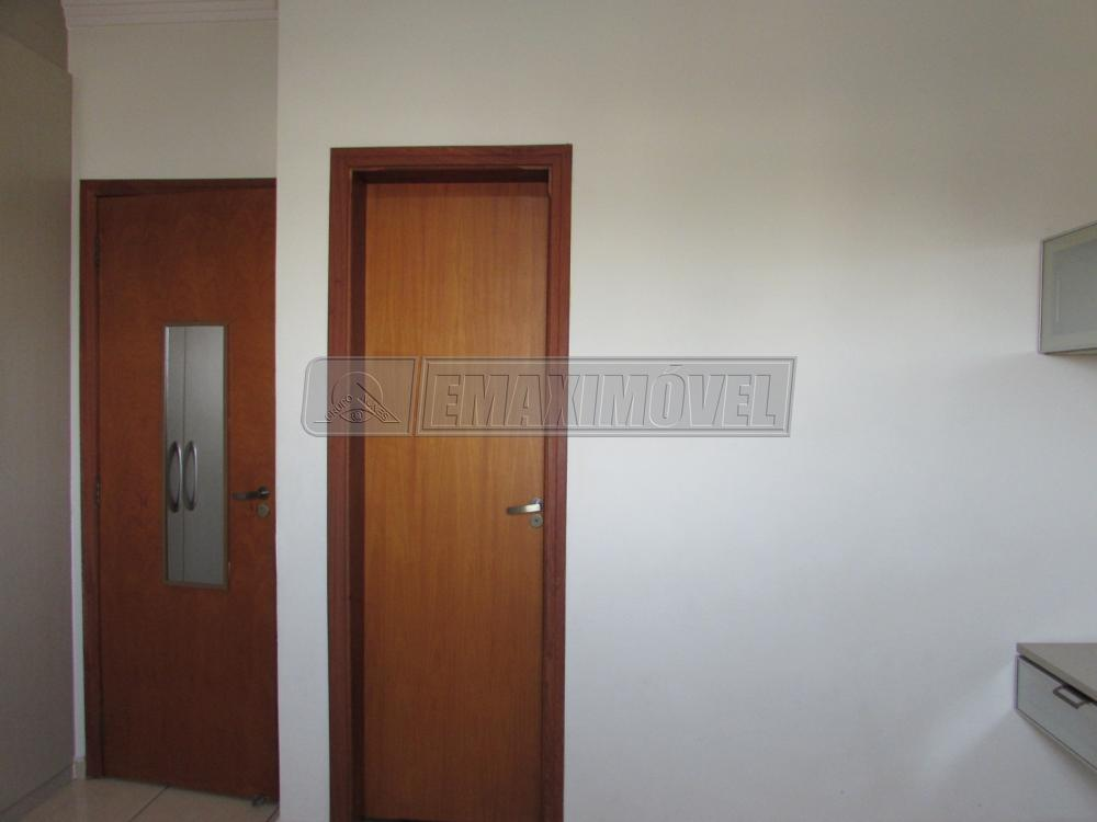 Alugar Apartamento / Padrão em Sorocaba R$ 1.800,00 - Foto 3