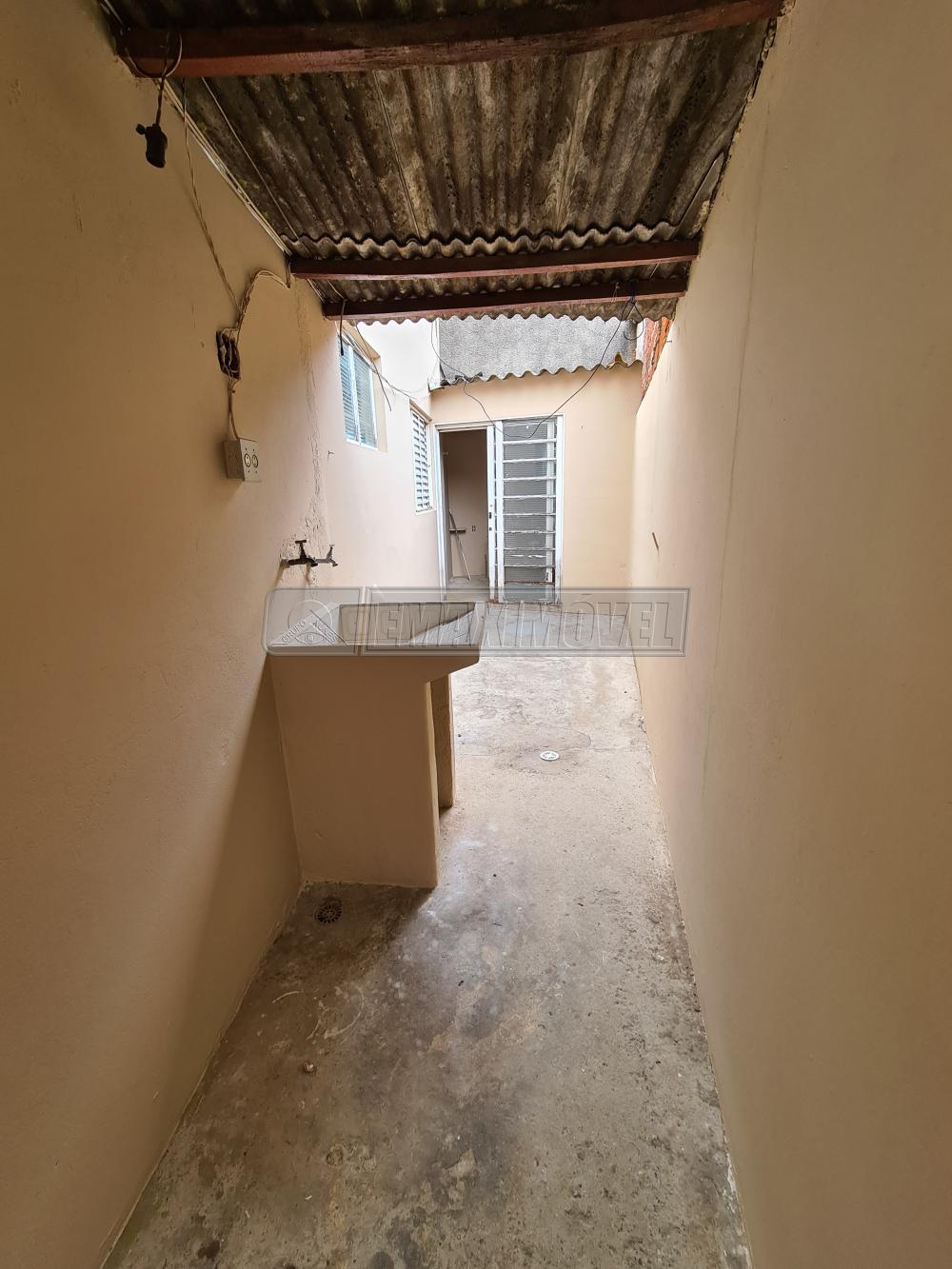 Alugar Casa / em Bairros em Sorocaba R$ 750,00 - Foto 13