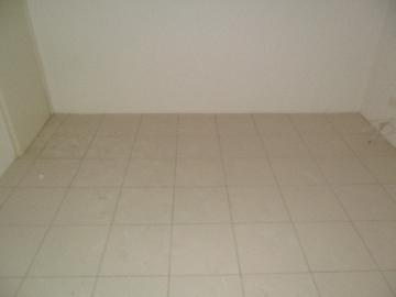 Alugar Apartamento / Padrão em Sorocaba R$ 950,00 - Foto 9