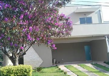 Alugar Casas / em Condomínios em Votorantim. apenas R$ 3.600,00