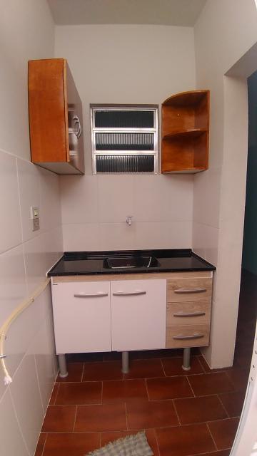 Alugar Casa / em Bairros em Sorocaba R$ 600,00 - Foto 4