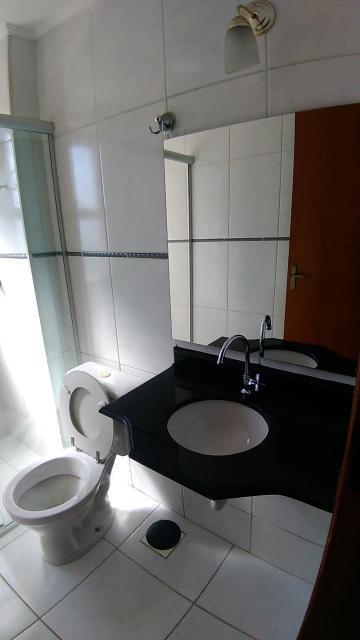 Alugar Apartamento / Padrão em Sorocaba R$ 1.300,00 - Foto 8