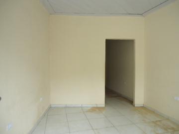 Alugar Casa / em Bairros em Sorocaba R$ 690,00 - Foto 3