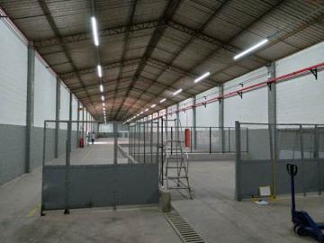 Alugar Comercial / Galpões em Condomínio em Alumínio apenas R$ 25.194,00 - Foto 8
