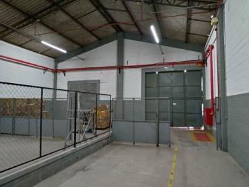 Alugar Comercial / Galpões em Condomínio em Alumínio apenas R$ 25.194,00 - Foto 9